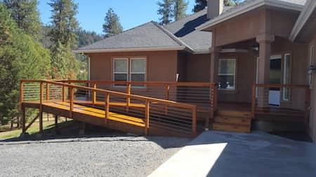 Backyard Deck In Medford, Oregon