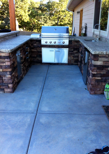 Custom Built Outdoor Kitchen